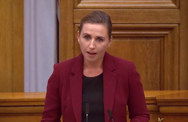 """Прем'єр Данії не стримала сліз на фермі, де знищили норок: """"Винен тільки..."""""""