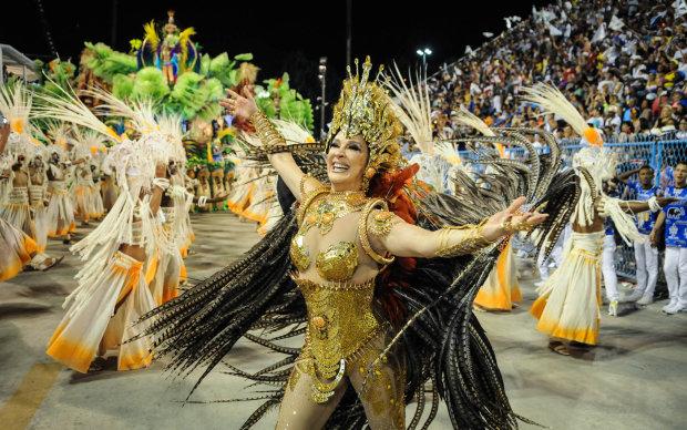 В Бразилии стартовал самый яркий карнавал в мире: грандиозные кадры