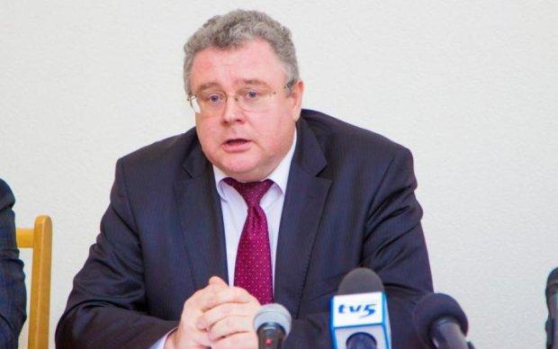 Публикации в СМИ загоняют криминального прокурора Запорожской области в угол