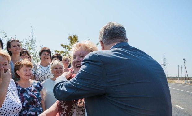 """Порошенко ткнули носом в его """"улучшения"""", слов не осталось: десятки украинцев продали почки, чтобы спасти любимых"""