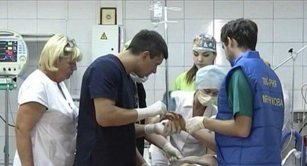 В Днепре малыш с глухотой мечтает услышать маму, врачи дали надежду маленькому Никите