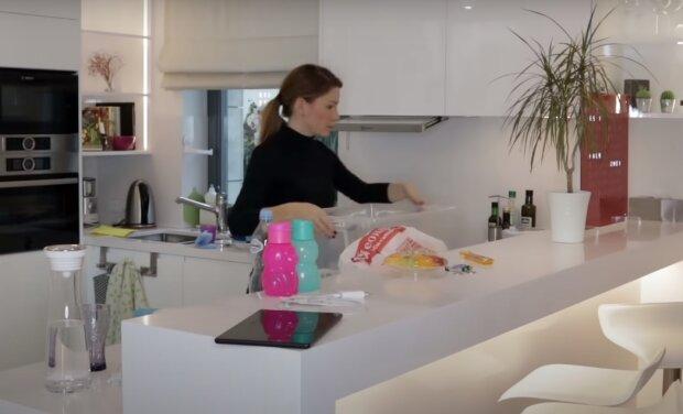 Уборка кухни, скрин из видео