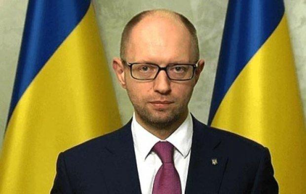 Яценюк попросив Європу підтримати введення миротворців