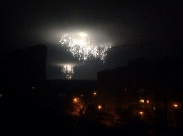 З'явилося відео нічного обстрілу Донецька «фосфором»