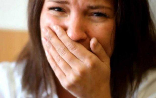 Розплакався від щастя: відео батька, який співає для глухого сина, зворушило весь світ