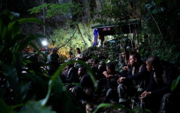 У Таїланді рятують дітей з печерної в'язниці: перші подробиці