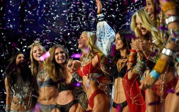 Ангели в мереживних трусах: Victoria's Secret готується до Різдва