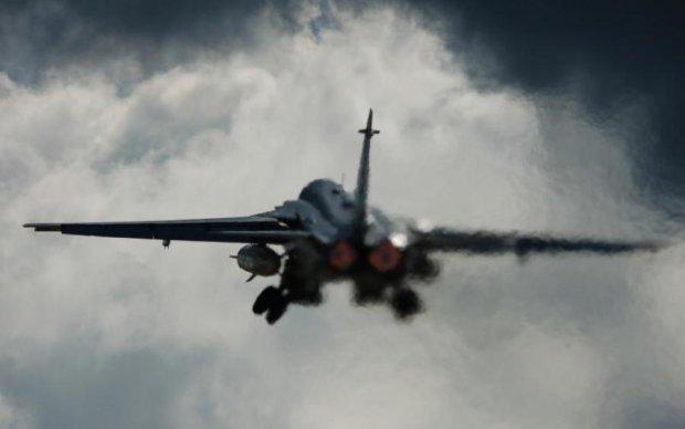 Боевики сбили бомбардировщик Су-24: первые подробности