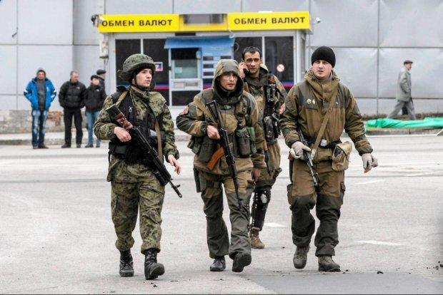 Боевики коварно обстреляли мирное население, паника нарастает: кровавое преступление зафиксировала камера