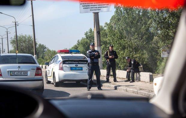 """План """"Сирена"""" під Києвом: екс-радницю Луценка відвезли у невідомому напрямку"""