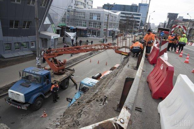 """Шулявський міст остаточно """"втомився"""": Кличко сказав, коли дасть відпочити"""
