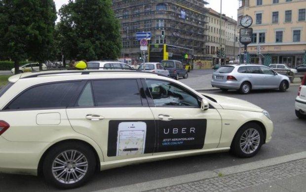 Повна жесть! Свідки показали, чим таксисти Uber піднімають собі настрій