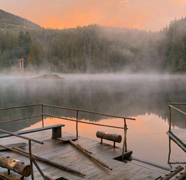Озеро Синевір на світанку, фото з Фейсбук