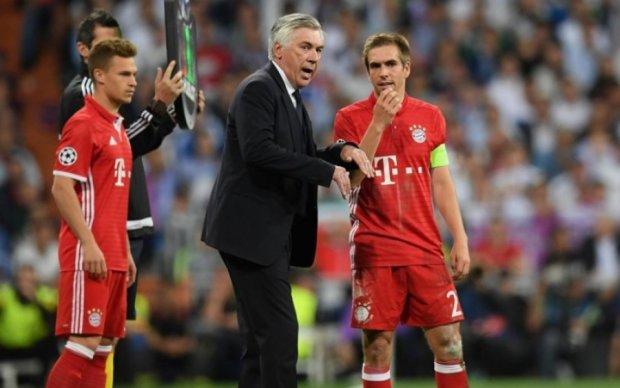Тренер Баварії вмовляє легендарного підопічного не завершувати кар'єру