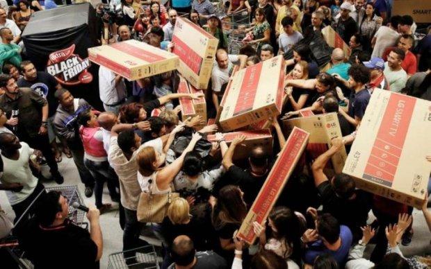 """Чорна п'ятниця по-українськи: мережу підірвала """"акція"""" у відомому супермаркеті"""