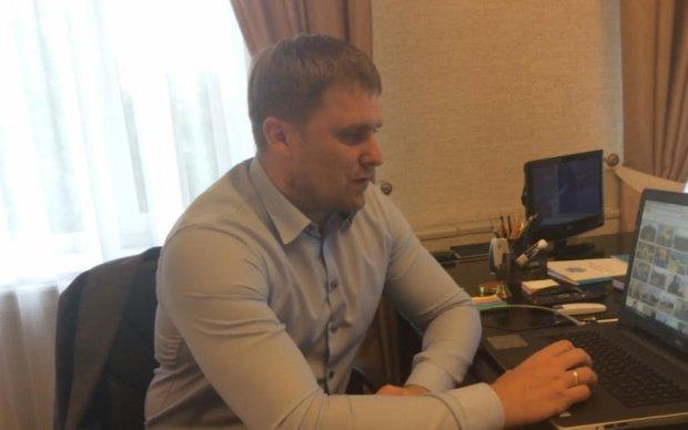 Текст на двоечку: соцсети возмутила безграмотность помощника Авакова