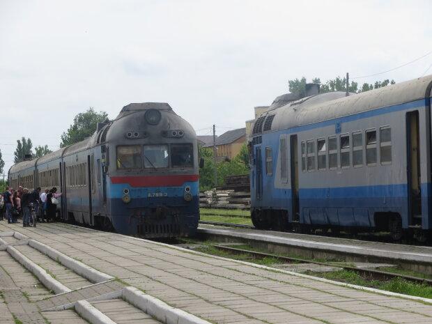 Женщина попала под поезд во Львове, случилось невероятное: подробности фантастики
