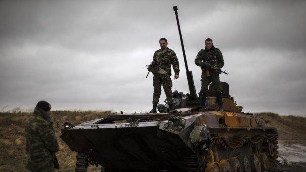 Какое там перемирие: боевики вовсю палят из запрещенного оружия, Украина оплакивает жуткие потери