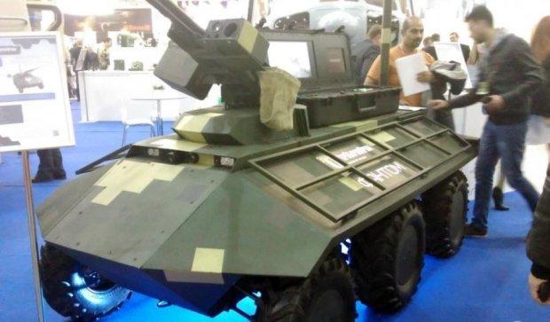 Українські зброярі похвалилися новітнім дроном