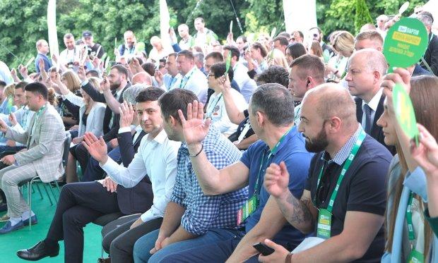 """Партії показали списки: кому українці """"закрили шлях"""" у Верховну Раду"""