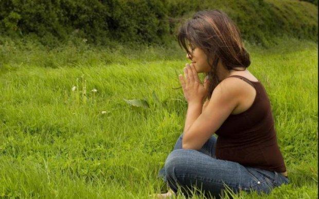Мужчина проигнорировал беременную попрошайку. Но секундой позже полностью изменил ее жизнь