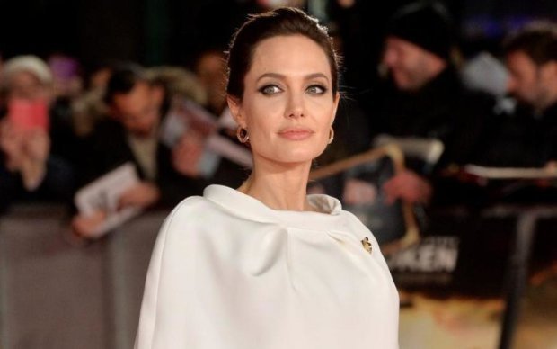 У Анджелины Джоли отберут самое дорогое