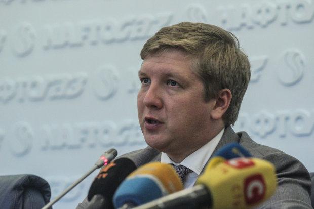 """Шнайдер показав українцям кількість нулів в зарплаті Коболєва: """"За ці гроші можна прогодувати армію"""""""
