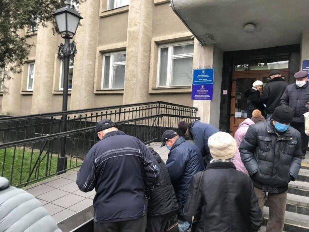 """Черновчане получают коммунальные """"письма счастья"""", сумасшедшие цифры: """"Думаете, с перепугу заплатим?"""""""