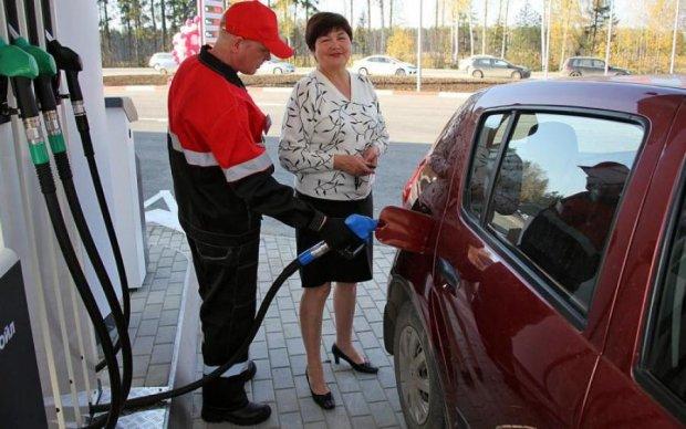 Сезон отпусков: украинцам рассказали, чего ждать от цен на бензин