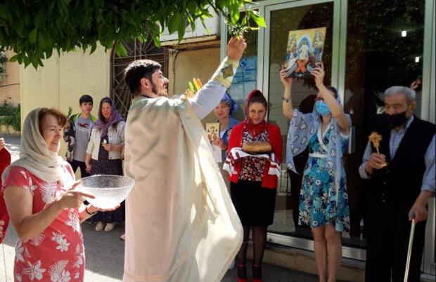 священник УПЦ звершив пасхальні богослужіння у Лівані