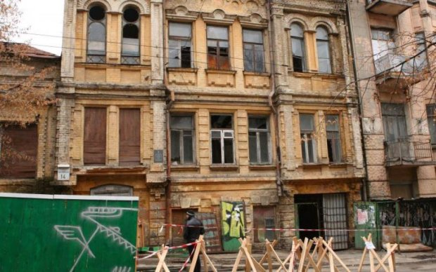 В Киеве обвалилась архитектурная достопримечательность