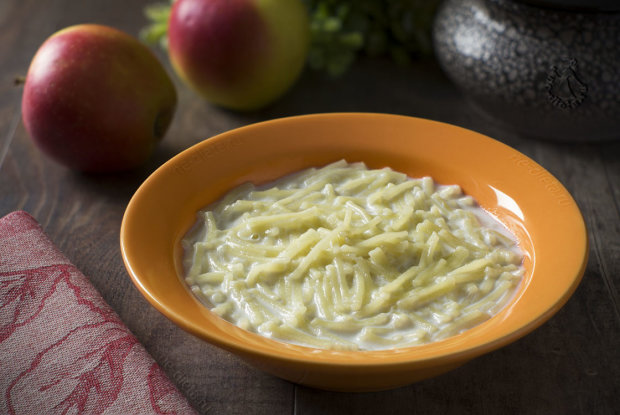Рецепт, который должна знать каждая хозяйка: нежный молочный суп с макаронами