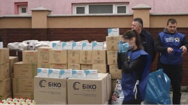 Медведчук с женой Марченко приобрели спецоборудование для медцентра в Черкасской области
