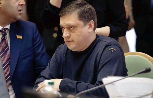 Нардеп-ґвалтівник Іванісов хоче пояснити все Зеленському: спливло скандальне листування