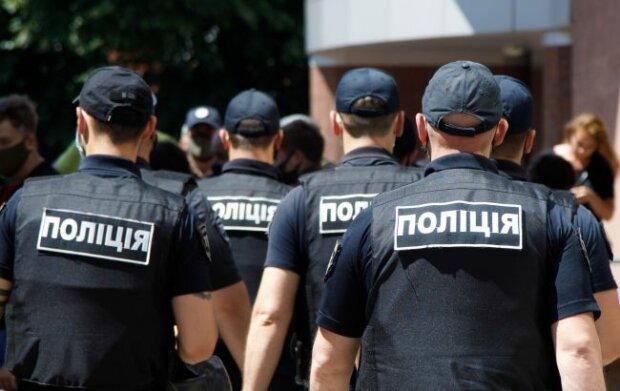 """На Київщині влаштували жорстку облаву на курців: """"Майже 200 чоловік"""""""