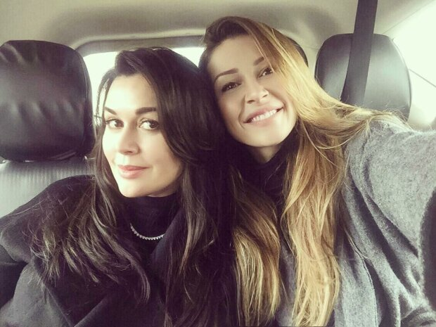 Дочь Заворотнюк нарушила молчание в сети: Анна поделилась радостным фото