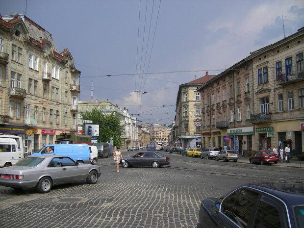 """Сотні смертей: у Львові назвали """"прокляту"""" вулицю, обходьте десятою дорогою"""