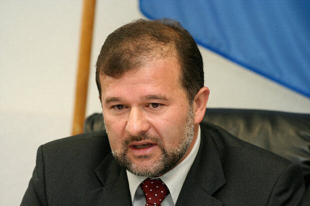 """Виктор Балога раскритиковал Кабмин за назначение глав ОГА: """"Серьезный риск для президента"""""""