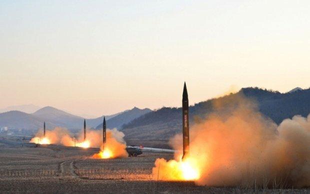 "Ким Чен Ын ""потопил"" американский авианосец: видео"