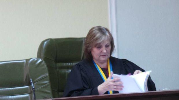 Скандальна маріонетка Порошенка суддя Галина Матійчук: саботаж, посадові злочини, шпигунство