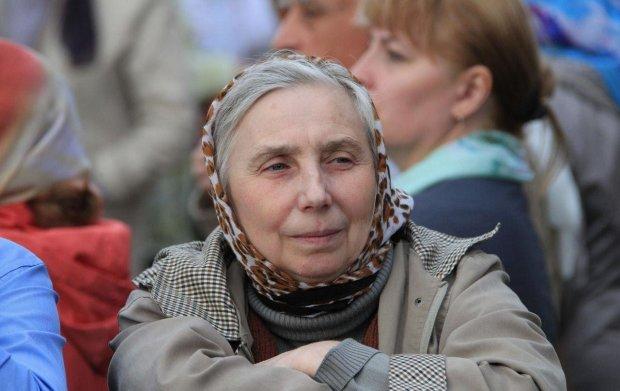 """Польща обігнала Україну на десятиліття, вся надія на Зеленського: """"Наші старики не живуть, а виживають"""""""
