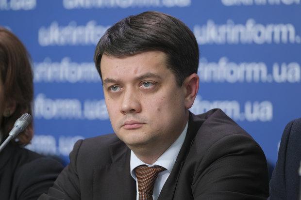 """Лідер """"Слуги народу"""" Разумков проголосував на виборах і заінтригував українців: """"Все можливо"""""""