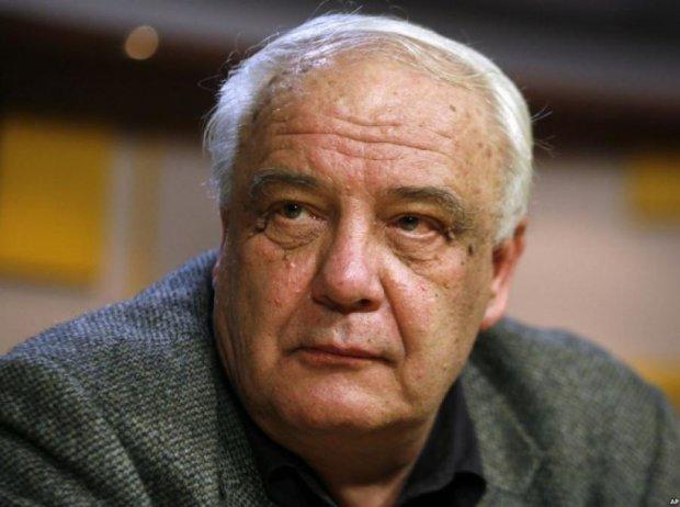 Дисидента Буковського звинувачують у дитячійпорнографії