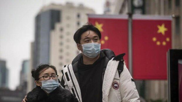 Жители Китая идут на крайние меры и собственноручно расправляются с зараженными коронавирусом