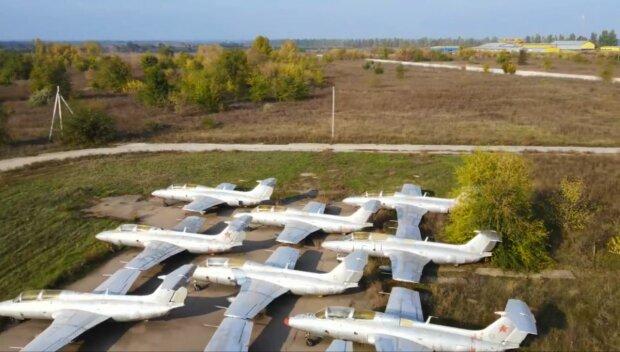 Кладбище самолетов под Запорожьем показали с высоты - так выглядит прерванный полет