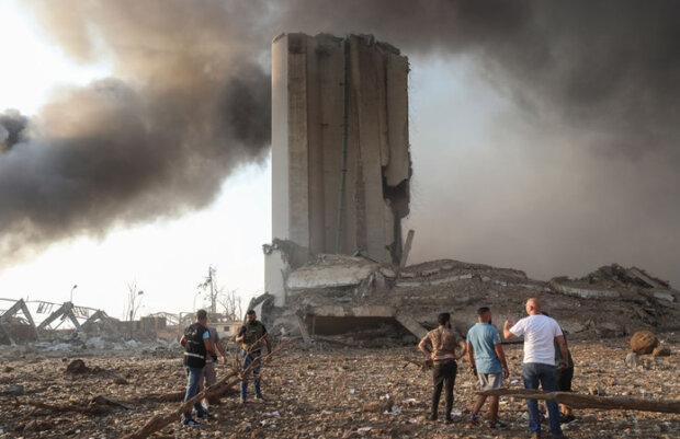 Порт Бейрута стерто з лиця землі: в мережі порівняли фото із космосу до і після вибуху