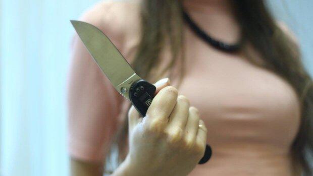 """Под Ровно женщина накормила собак гениталиями мужа: """"Это был единственный выход"""""""