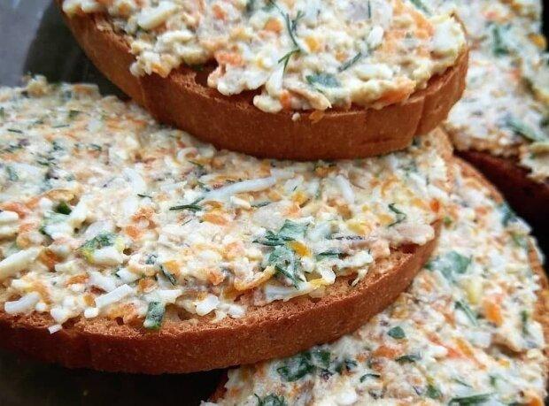 Рецепт бюджетної намазки на хліб зі шпротами і яйцем: здивує гостей за святковим столом