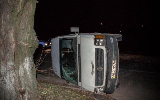 Страшна аварія: з'явилися перші кадри розбитого автобуса з українцями