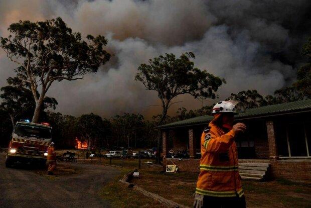 Австралия в огне: адская стихия нашла другую жертву, под угрозой новая страна